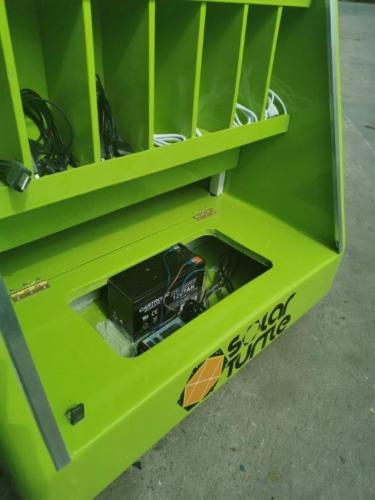 Juro Solar Powered Phone Charging Briefcase 6