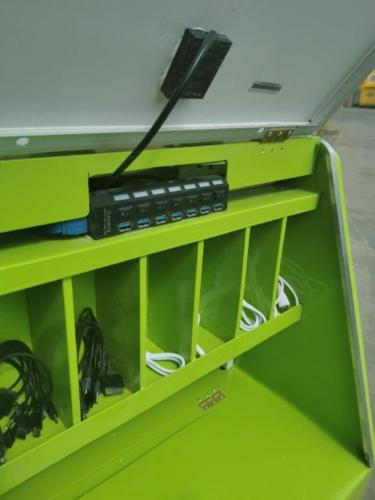 Juro Solar Powered Phone Charging Briefcase 12